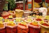 הדרכת סיורים בירושלים  - תבלינים בשוק מחנה-יהודה, שלל צבעים משגעים!
