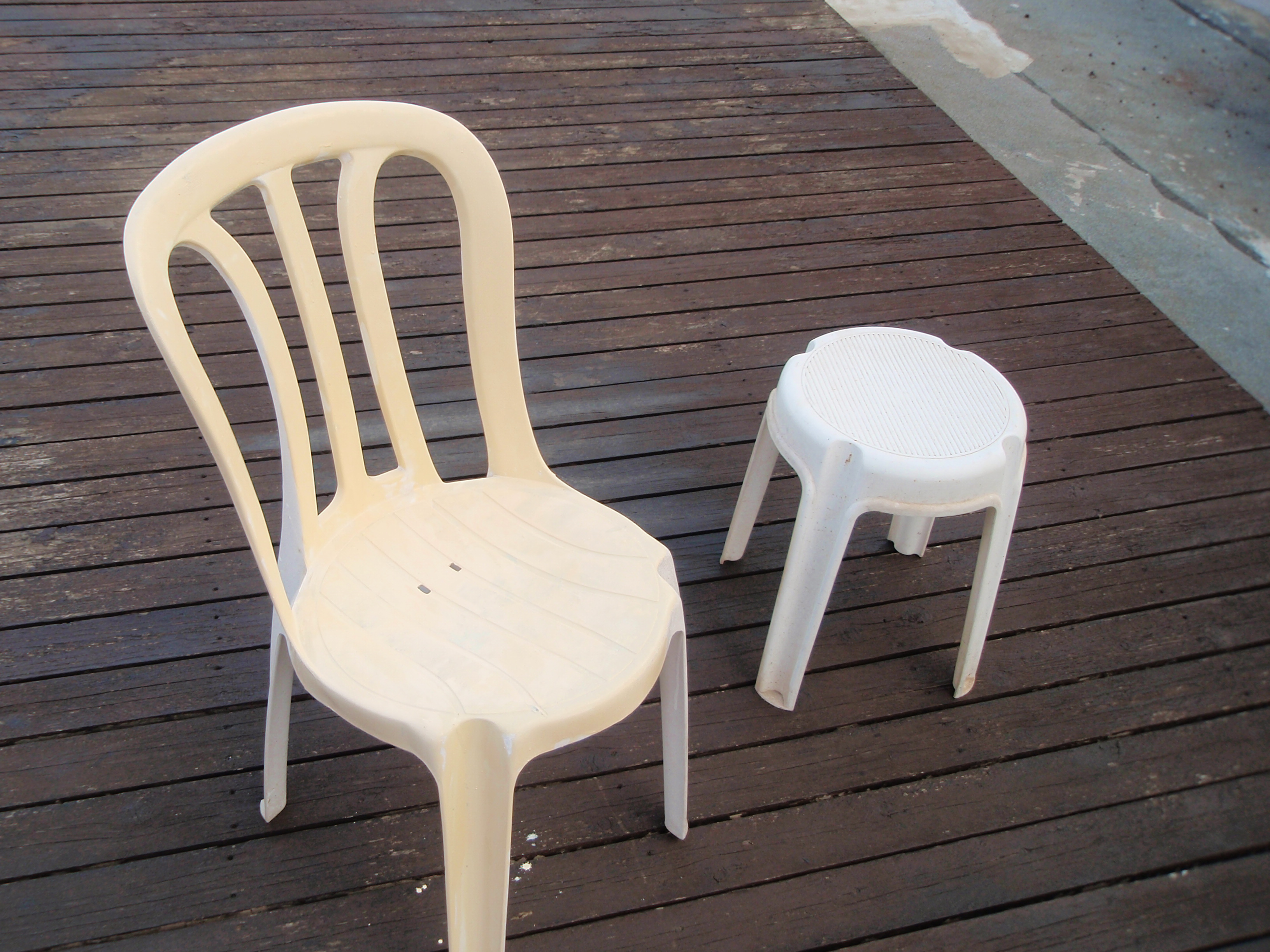כסאות להשכרה