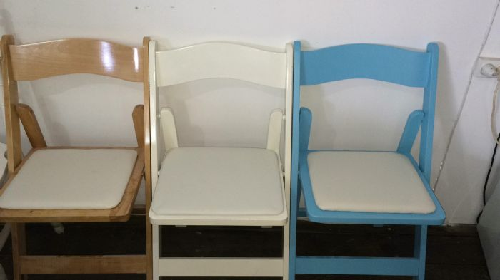 כיסא עץ מתקפל תכלת - Light Blue Wood folding chair