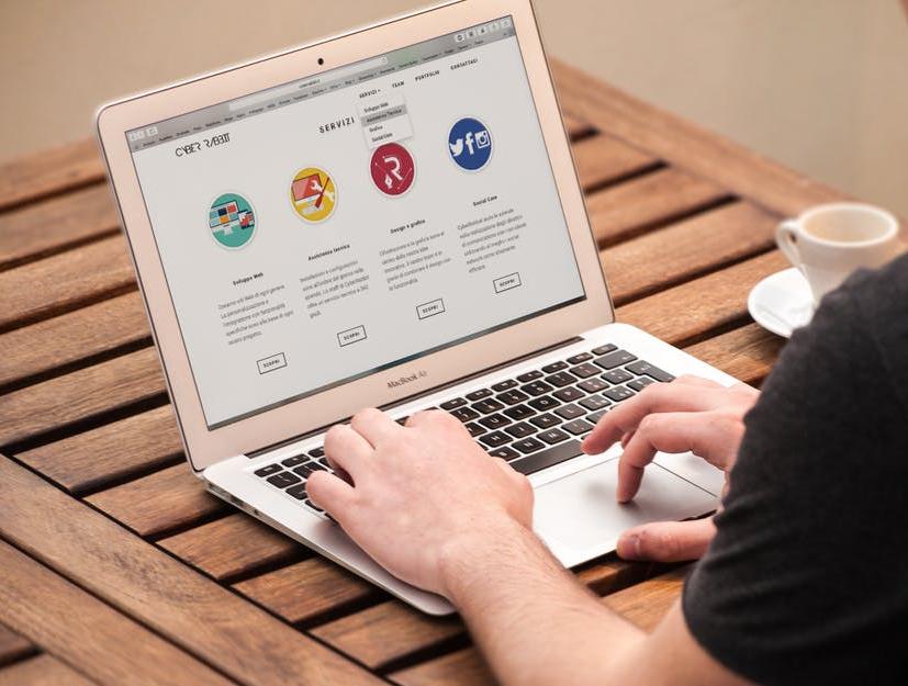 איך לבנות אתר אינטרנט בחינם
