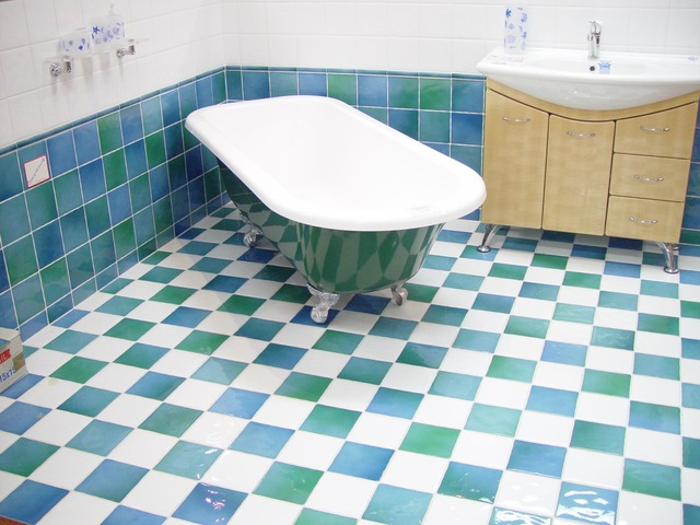 ציפוי אמבטיה נגד החלקה