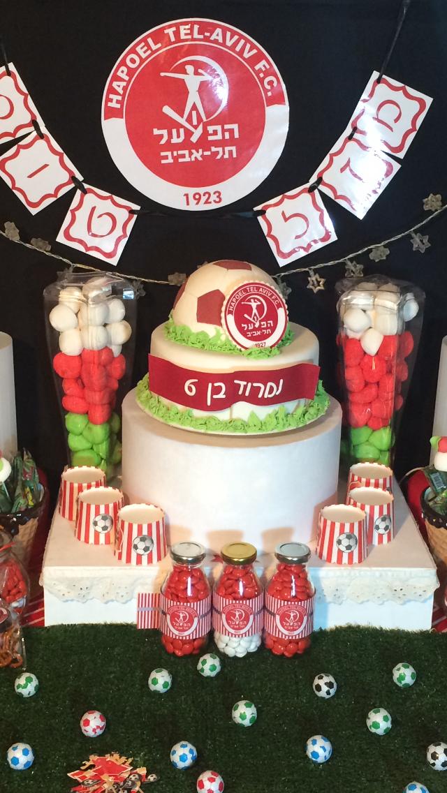 עוגת יום הולדת כדורגל, שולחן מתוק לבנים כדורגל