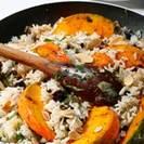 אורז חגיגי עם דלורית, שקדים, צימוקים ודבש בניחוח קינמון