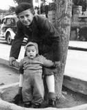 Max and Ilan in Rotchild Aveneus 1941