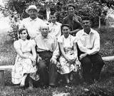 1967 Krasnodar- Rodion with Ivan´s Family ( unknown young wemen)