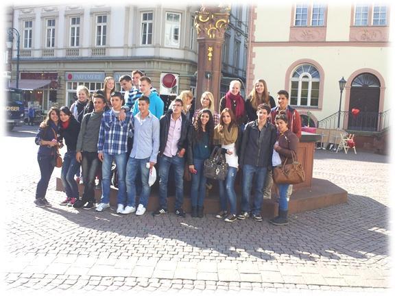 בני הנוער יהודים וערבים חברי המשלחת  לגרמניה