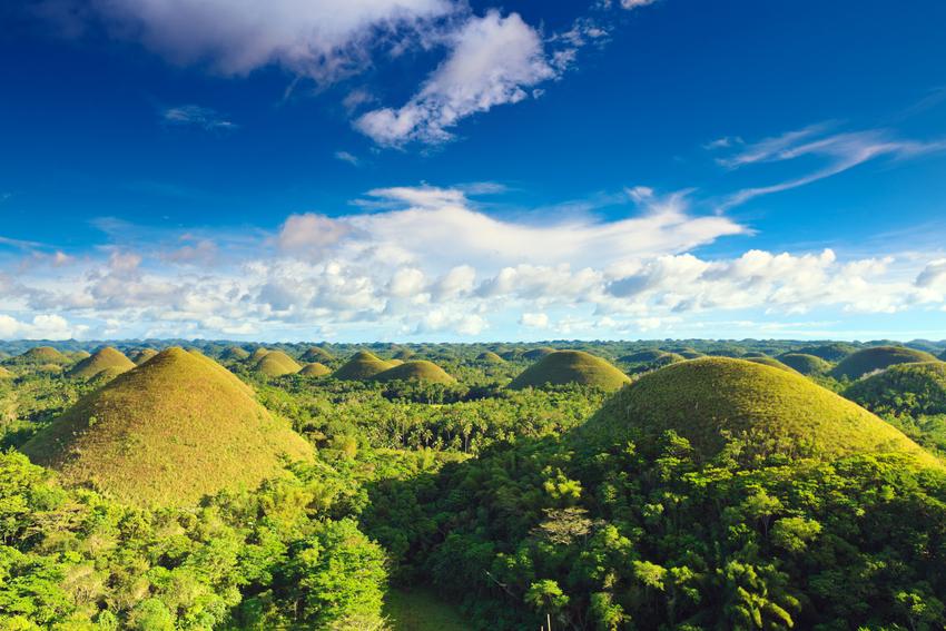 גבעות השוקולד של האי בוהול