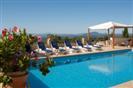 מלון בפרובנס | לה פטיט אוברג' 3*