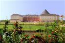 מלון ליד דיסנילנד פריז (יורודיסני) - מלון מג'יק סירקוס 4*