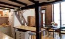 """דירה בפריז - דירת שני חדרי שינה וסלון במרכז """"משולש הזהב"""" Opéra/Châtelet/ Louvre"""