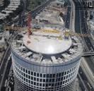 פירוק עגורן צריח מבנייני עזריאלי 2000