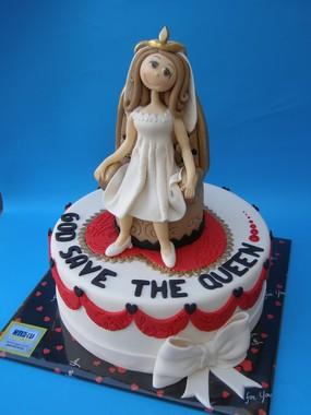 עוגה להדס המלכה על כסא המלכות