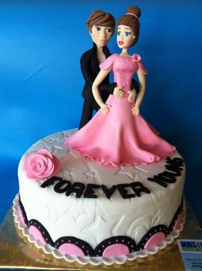 עוגה לריקודים סלוניים
