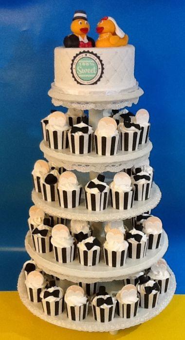 עוגת חתונה מגדל קאפקייקס ברווזי אמבטיה