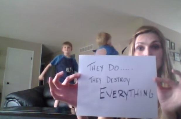 ארבעת הילדים הורסים כל דבר