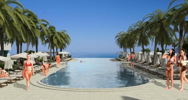 בריכת שחייה על גדות הים התיכון