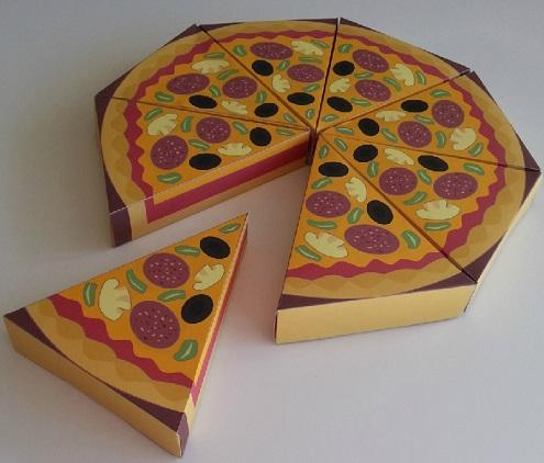 קופסת פיצה מחולקת לשמונה