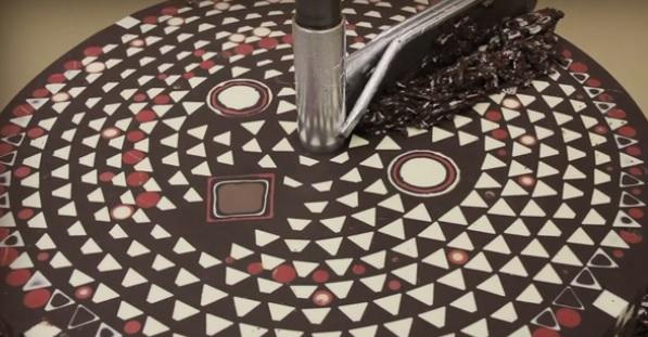 גוש שוקולד צורות גיאומטריות