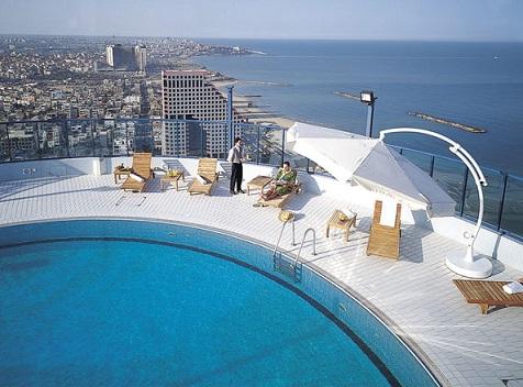 בריכת שחיה מלון ישרוטל טאואר תל אביב