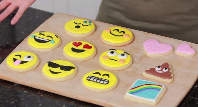 עוגיות מעוצבות אמוג'י