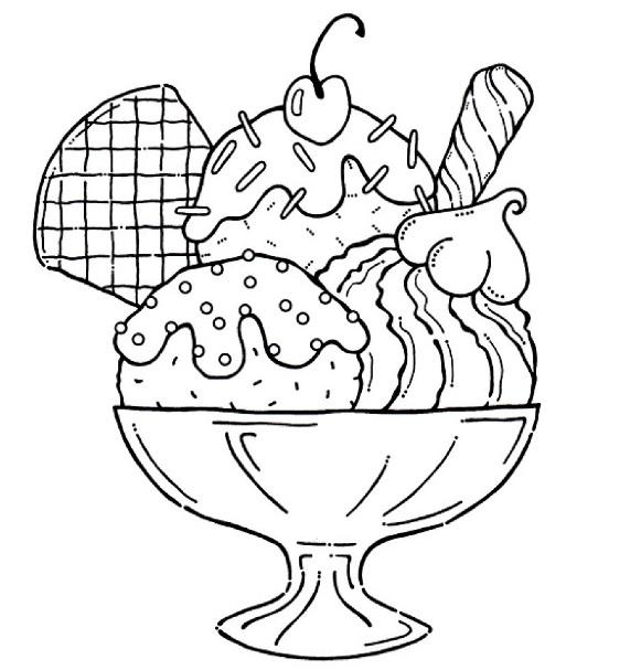 גלידה עם דובדבן וקישוטים