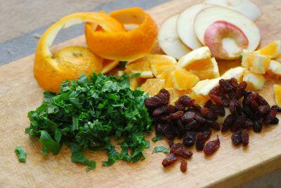 ארכובית הכתמים, ליקוט, צמחי מאכל