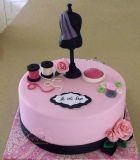 עוגת יום הולדת למעצבת אופנה.