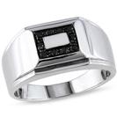 טבעת יהלומים שחורים לגבר העשויה כסף 925 ומשובצת ביהלומים שחורים טבעיים במשקל כולל של כ-0.22 קרט.