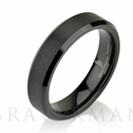 """טבעת שחורה לגבר העשויה טונגסטן ברוחב 5 מ""""מ"""