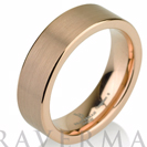 """טבעת טונגסטן לגבר מצופה בזהב אדום 14 קראט ברוחב 6 מ""""מ"""