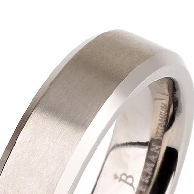 Titanium wedding bands - Brushed titanium ring with polished beveled edges - 5mm