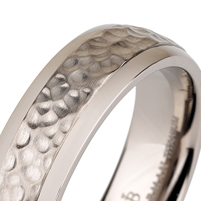 Titanium wedding bands - Hammered titanium ring with polished edges - 6mm