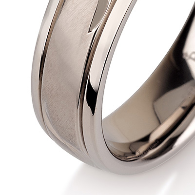 Titanium wedding bands - Leaf engraved titanium ring with brushed finishing and polished sides - 6mm