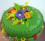 עוגה פרחונית וצבעונית בסגנון חופשי...