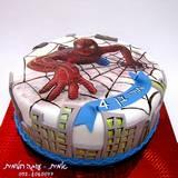 עוגת ספיידרמן מצויירת לאורי בן ה-4