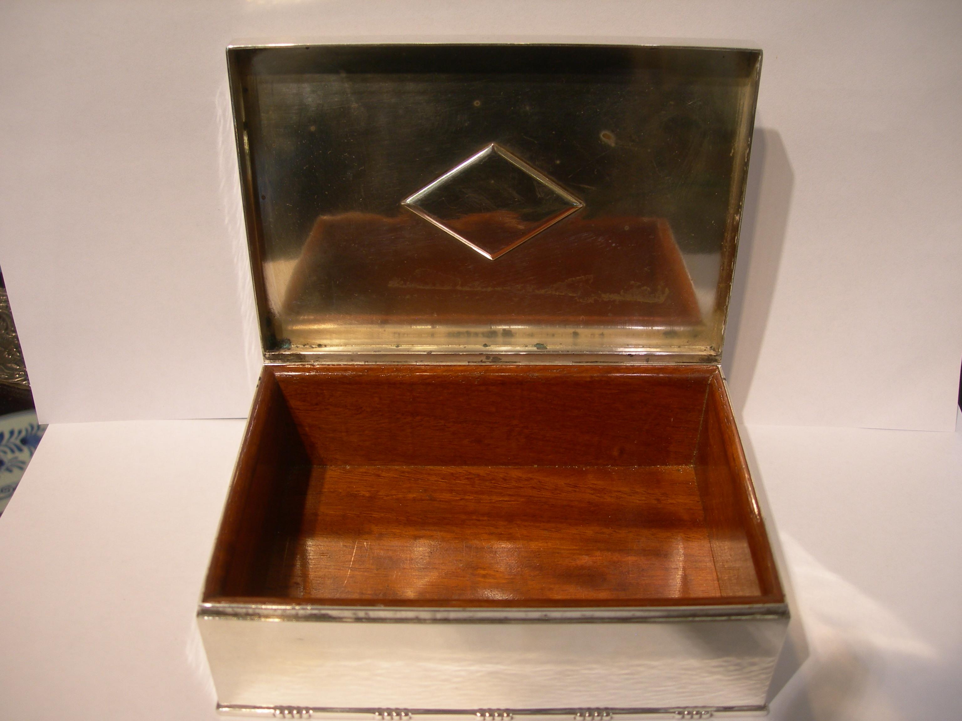 ivantiques antiques collectibles georg jensen johan rohde cigar box. Black Bedroom Furniture Sets. Home Design Ideas