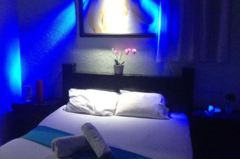 חדר באווירה רומנטית בגאיה