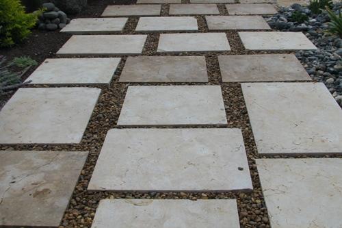 אבן מקומית מנוסרת מרובע משתנה