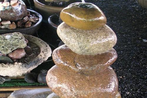 מזרקת חמש אבנים