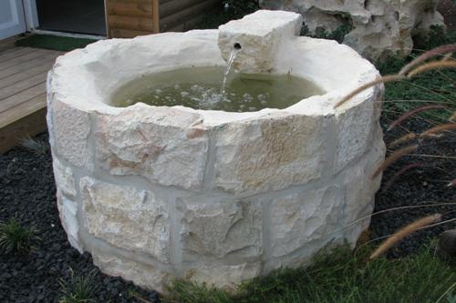 באר מים מאבני פירוק