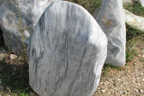 סלע שיש אפור לבן