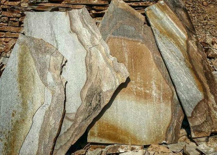 צפחה בגווני חול פלטות גדולות