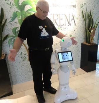אבי וייס והרובוט פפר