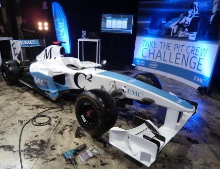 מכונית המירוץ של EMC