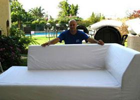 ניקוי ספה מבד לבן