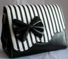 תיק פסים שחור לבן