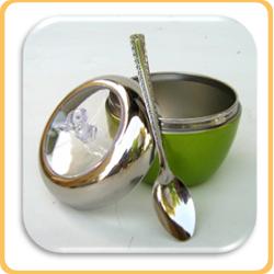 כלי תפוח ירוק לחרוסת עם כפית