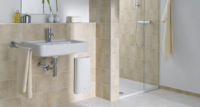 durchlauferhitzer f r dusche klein durchlauferhitzer 6 kw mit dusche ebay durchlauferhitzer f. Black Bedroom Furniture Sets. Home Design Ideas