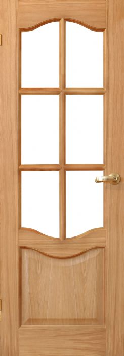 דלת דמוי עץ וחלון