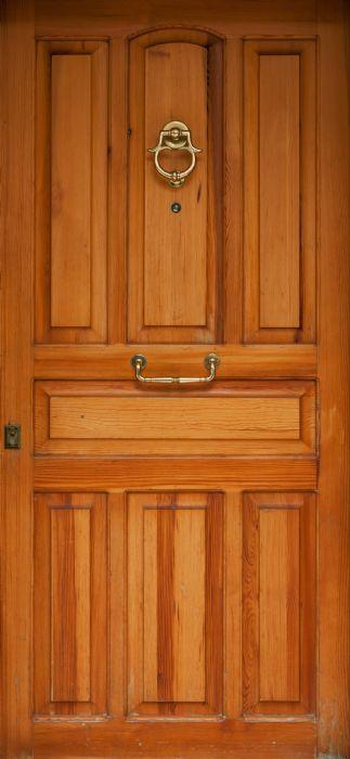 דלת חומה סימפל